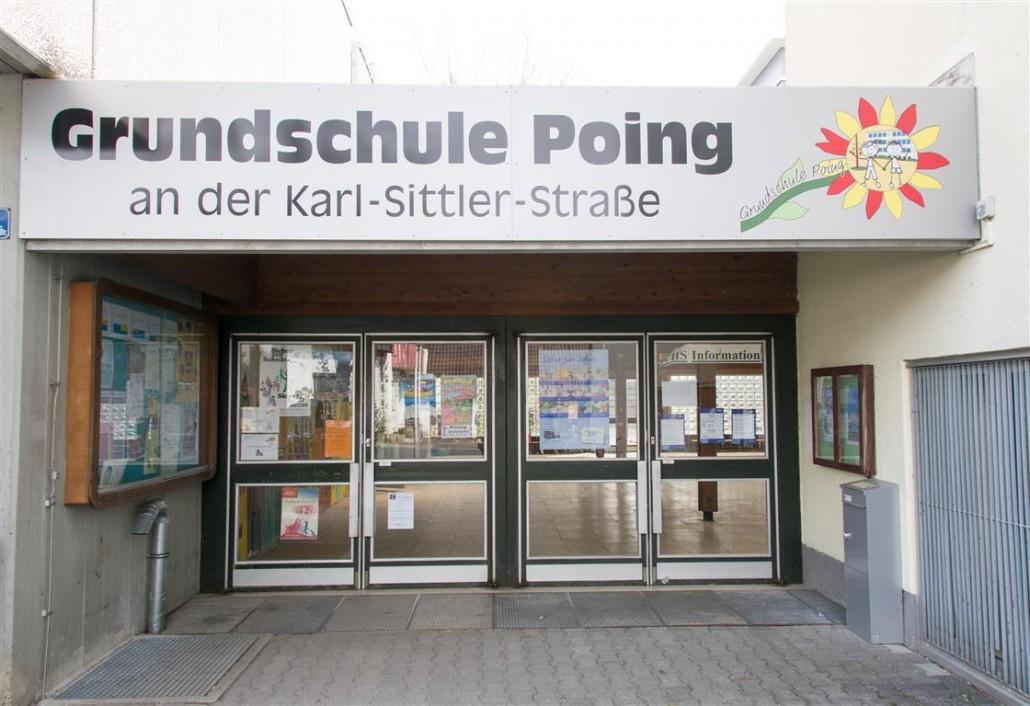 Bild: Eingangsbereich der Schule